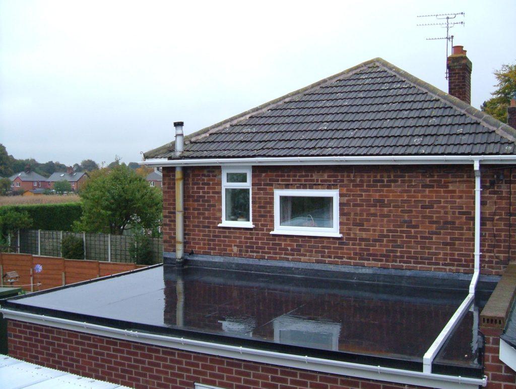 epdm rubber roof install on side garage hucknall